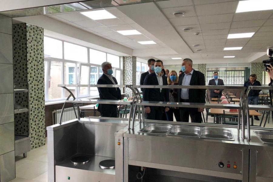В Красноградском УВК №2 за время карантина отремонтировали столовую