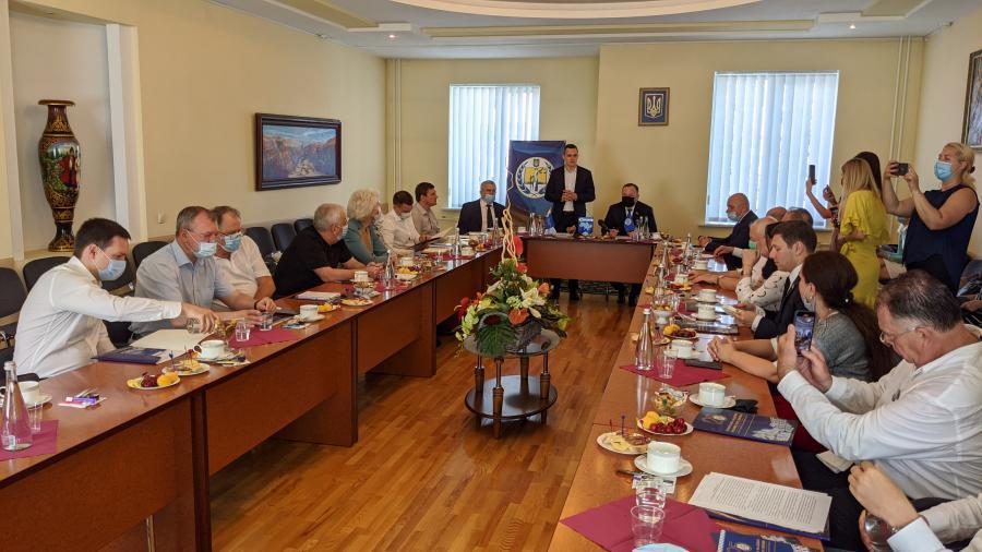 В Харькове прошел круглый стол, посвященный Конституции