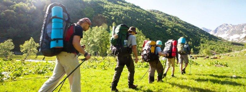 Минздрав планирует разрешить украинцам путешествовать в группах до 50 человек