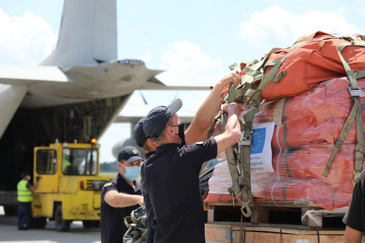 Бороться с последствиями паводков Украине помогает Италия, Швейцария и Израиль