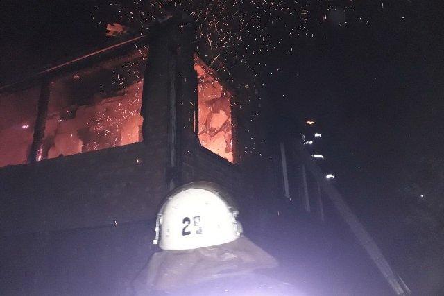 В Харькове на рынке сгорели два торговых павильона