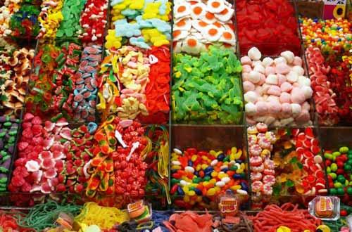 В Харьков могли завезти конфеты, вызывающие удушение