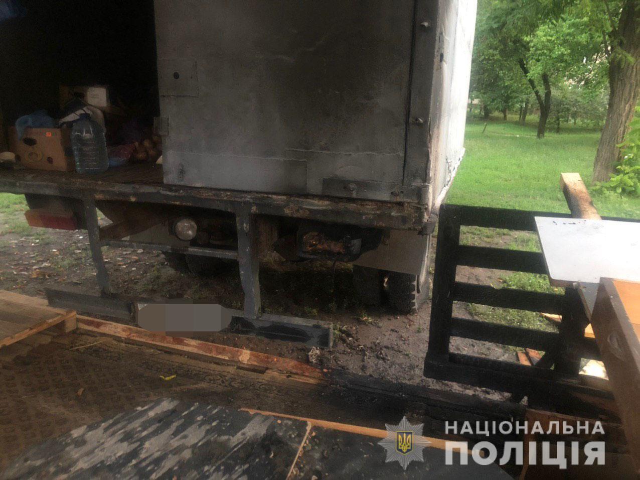 В Харькове ночью подожгли торговую палатку (фото)