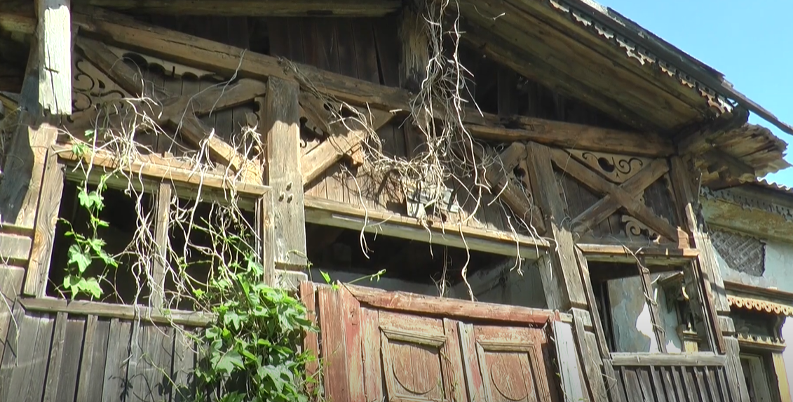 """Історична пам'ятка чи """"дім-вбивця"""": у якому стані будинок, в якому мешкав Сковорода (відео)"""