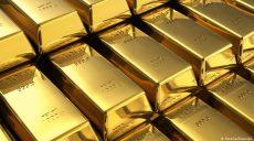 Цена на золото в мире выросла до рекордно высокой цифры