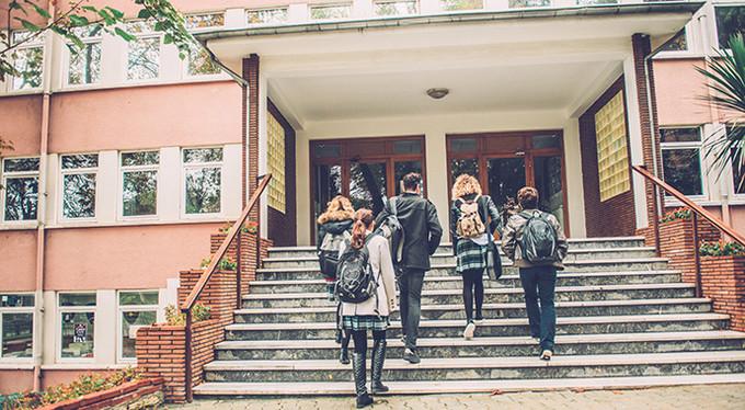 В Харьковской области создадут 100 новых мест в школах и 715 – в детсадах