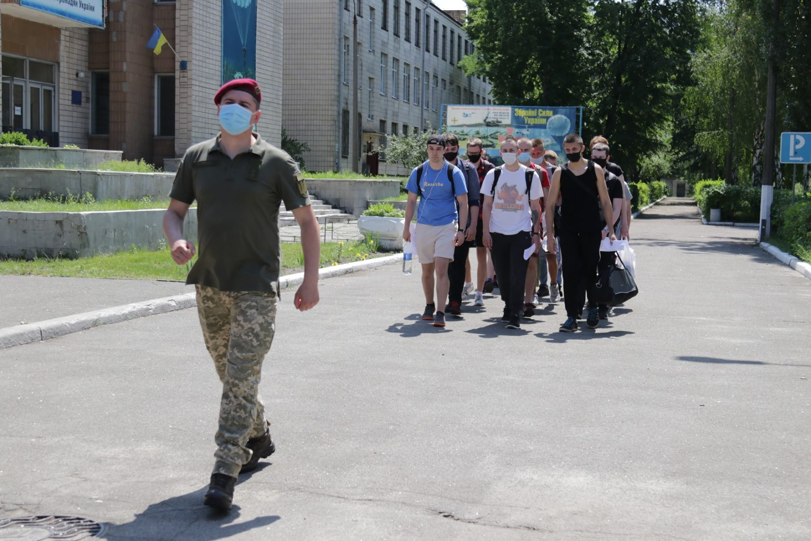 Военкоматы имеют право законно удерживать призывников на сборных пунктах три дня