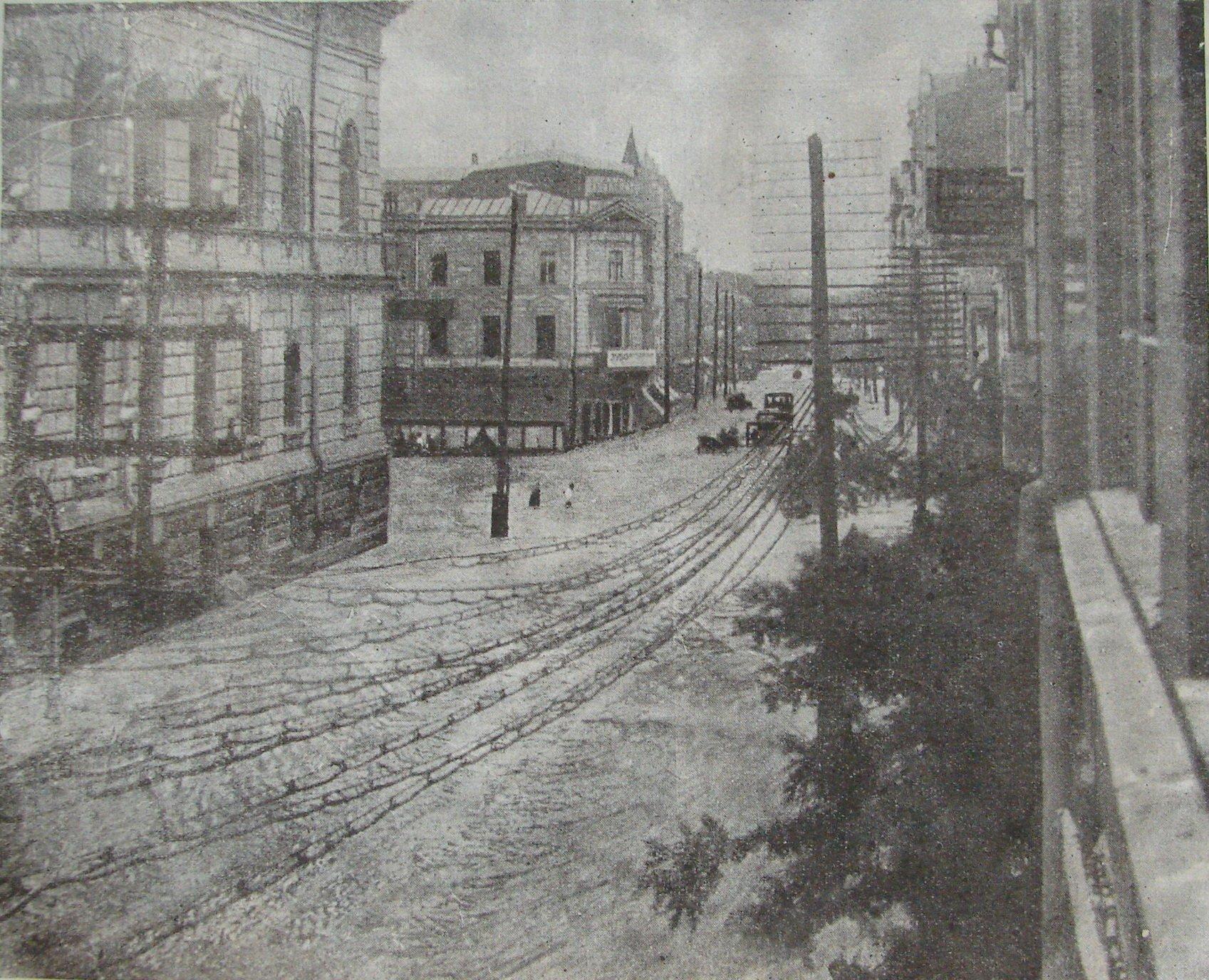 Нижняя часть Сумской улицы после ливня с градом