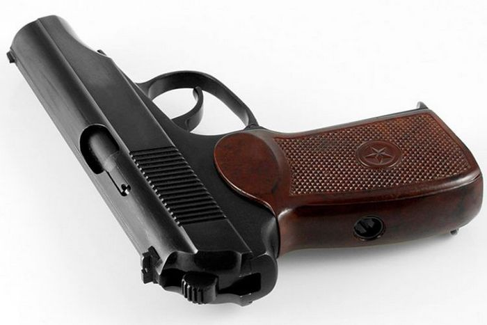 ВСУ получит 2400 пистолетов Макарова из Эстонии