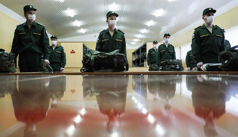 Премьер-министр поручил Министерству обороны разобраться с весенним призывом 2020