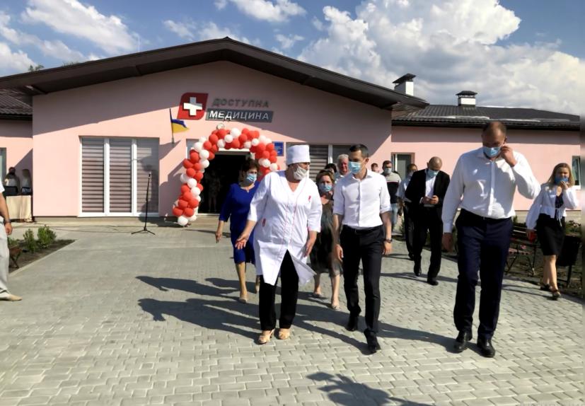 В Балаклейском районе завершили строительство амбулатории