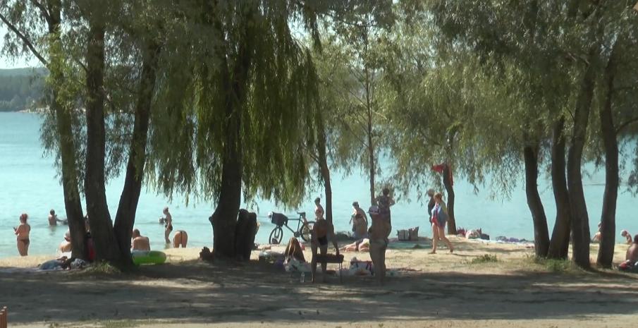 Харківський лабцентр не рекомендує купатися на п'яти пляжах (відео)