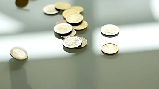 Осторов Ниуэ выпустил монету со «взрослой» и «детской» стороной (фото)