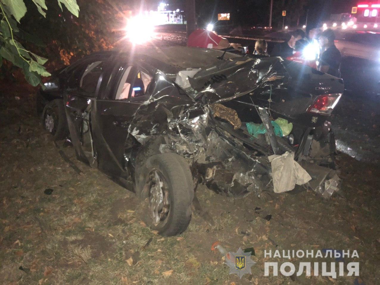 На проспекте Гагарина пьяный водитель врезался в автомобиль Chevrolet (фото)