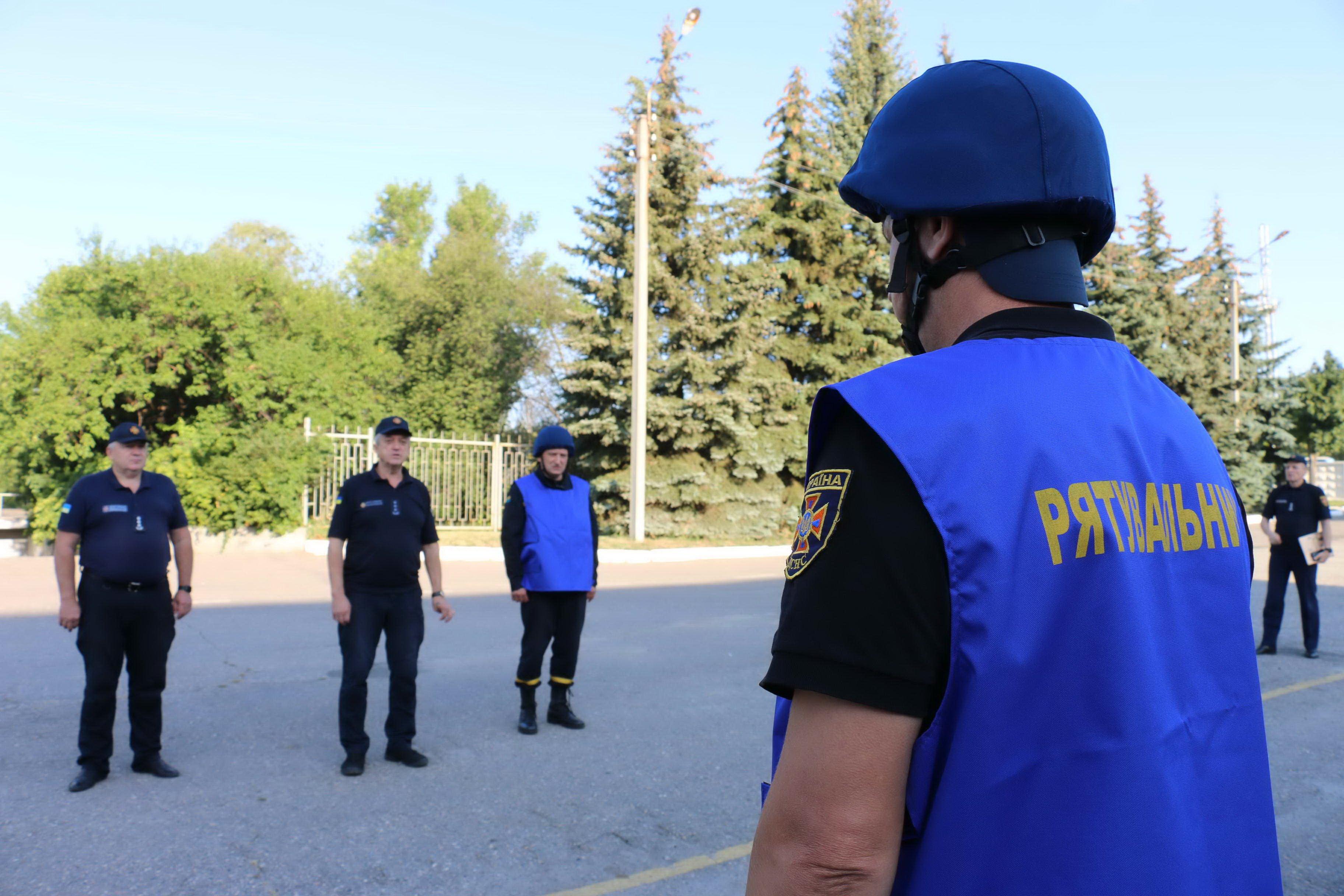 Харьковские спасатели отправились на Донбасс