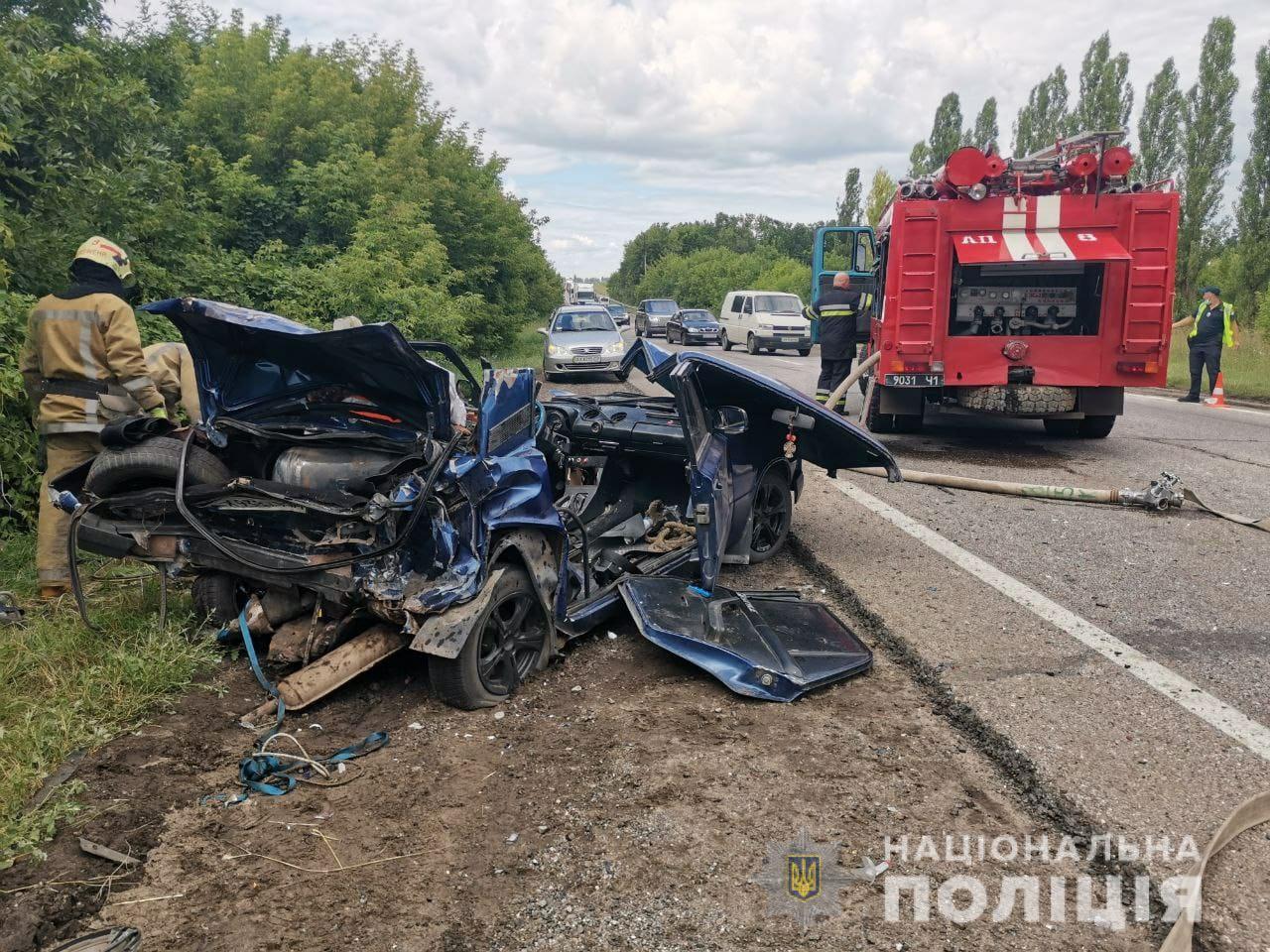 Полиция выясняет обстоятельства аварии в Индустриальном районе Харькова (ФОТО)