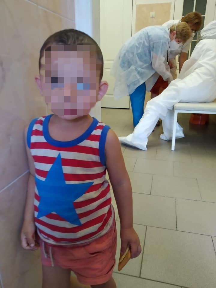В Харькове мать отказалась от сына и дочки — полиция (фото)