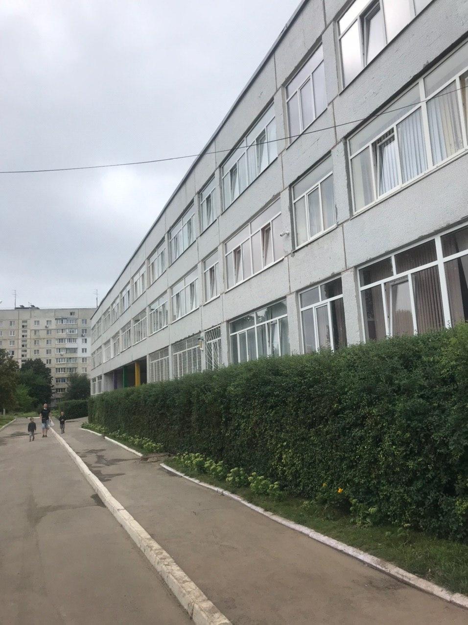 Маски, оновлений розклад та без дзвінків – як учні Харкова підуть до школи 1 вересня (фото)