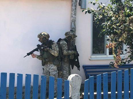 Министр внутренних дел показал детали спецоперации по задержанию террориста (видео)