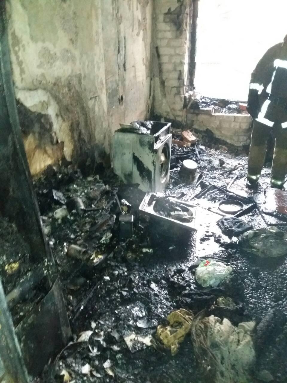 Спасатели эвакуировали 27 человек во время пожара на улице Библика: трое жильцов в больнице (фото)