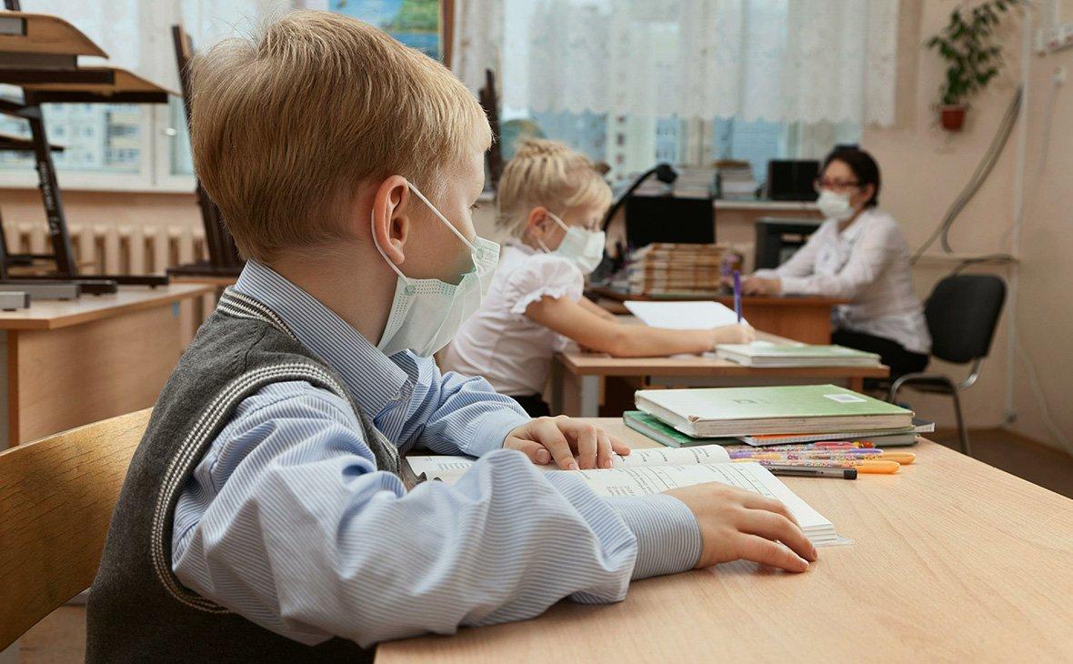 """Школам разрешили не оценивать """"дистанционку"""" по 12-бальной шкале"""