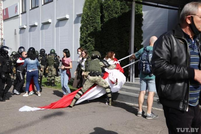 Беларусь закрывает границы