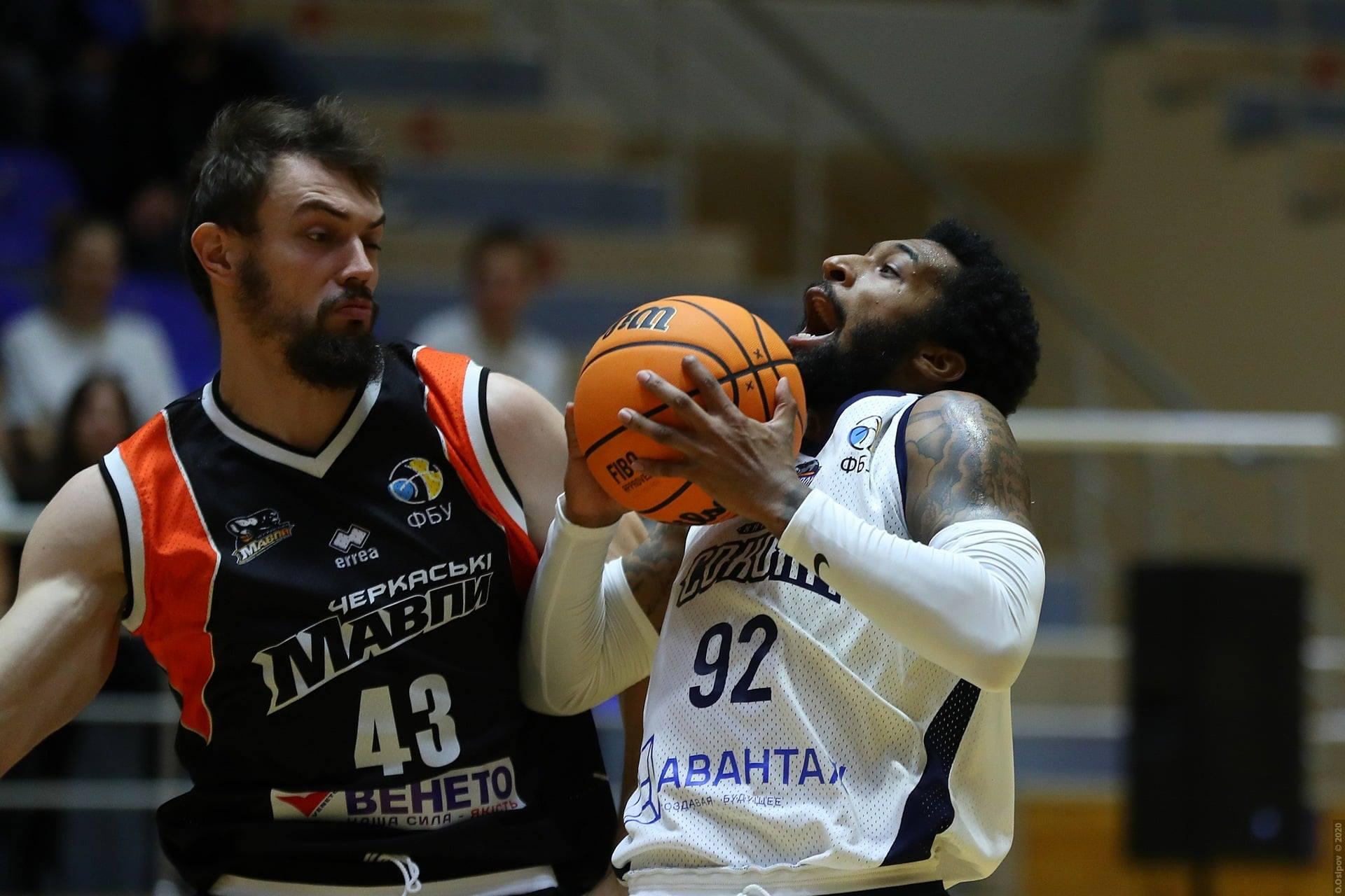 «Харьковские Соколы» начали баскетбольный сезон с победы (фото)