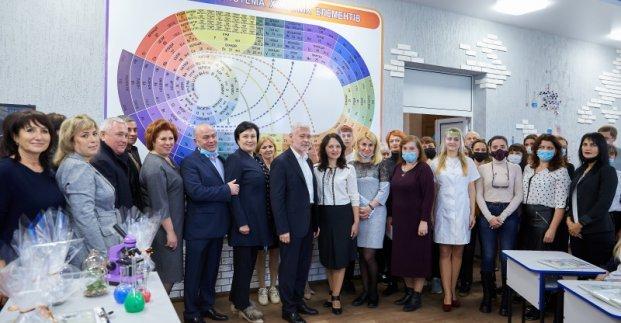 В школах Харькова продолжают открывать интерактивные кабинеты
