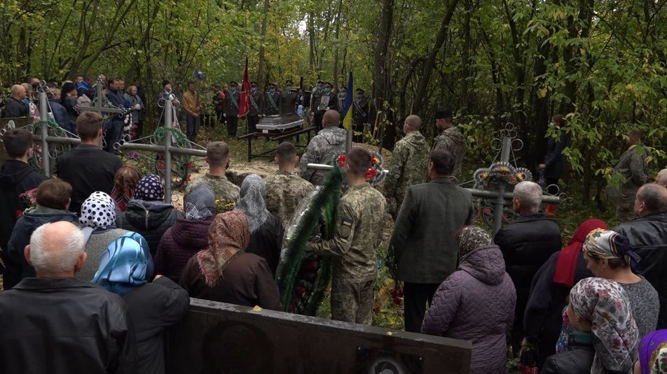 Як прощалися із загиблими курсантами та офіцерами у різних областях України (фото)
