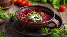 Відповіді дієтолога: чому борщ корисніше, ніж ягоди годжі, а жирна сметана краще за знежирену (відео)