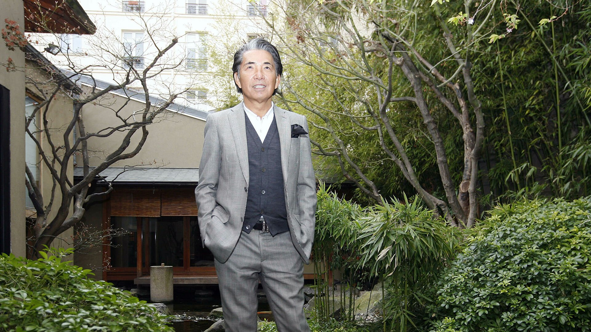 От коронавируса умер Кендзо Такада — основатель знаменитого дома моды Kenzo