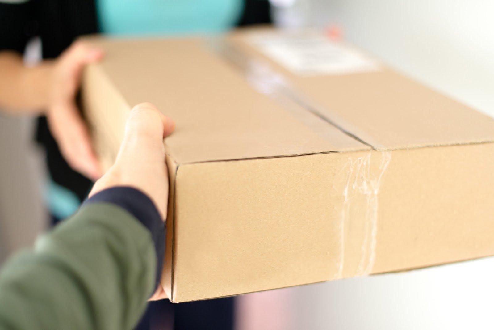 Новая схема мошенничества: украинцам приходят посылки, которые они не заказывали