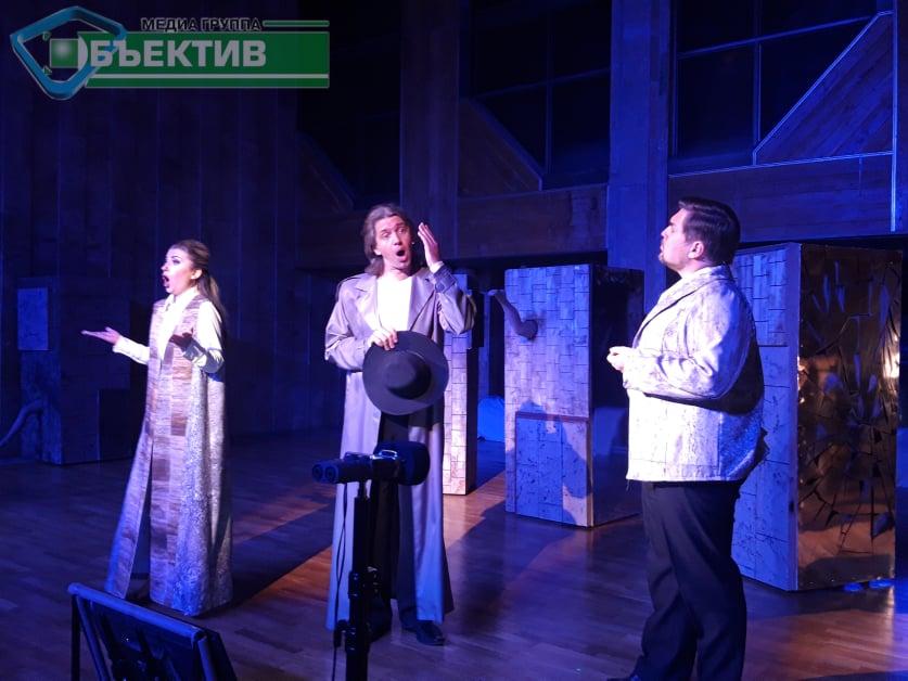 """У Харкові пройшла національна прем'єра опери """"Чоловік, який сплутав дружину з капелюхом"""" (фото, відео)"""