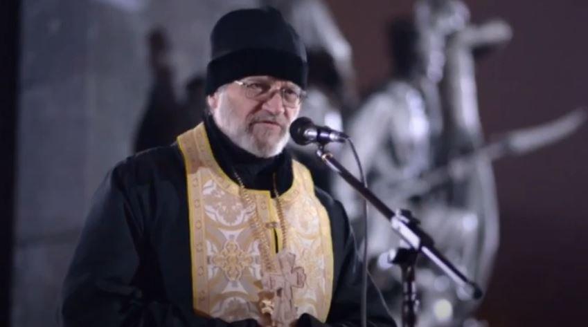 Журналіст видав книгу про «духовного лідера» харківського Євромайдану: чим відомий священник Віктор Маринчак (відео)