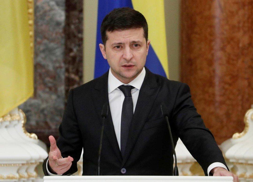 Зеленський провів екстрену нараду РНБО через Конституційний суд
