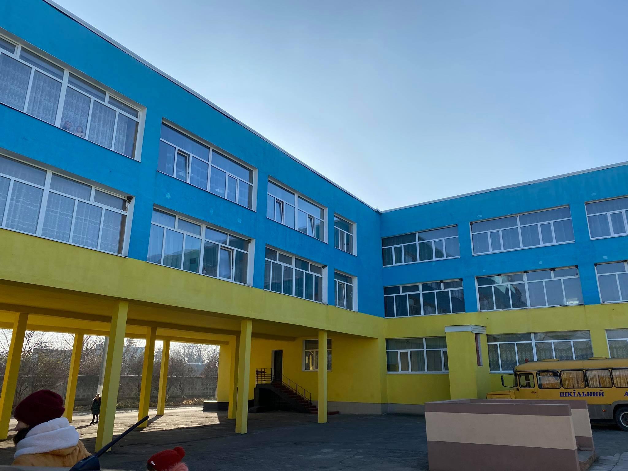 На директора Дергачівського ліцею, де зафіксували отруєння учнів, накладено штраф – Держпродспоживслужба