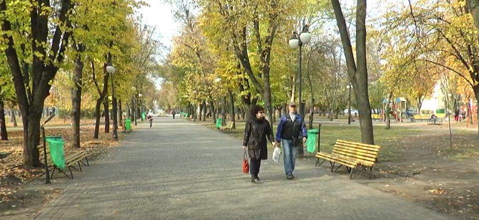 Одні з найдорожчих у Харкові: на бульварі Юр'єва встановлять коштовні урни (відео)