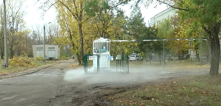 Кисень для COVID-хворих є, а баків для нього не вистачає: яка ситуація на Харківщині (відео)
