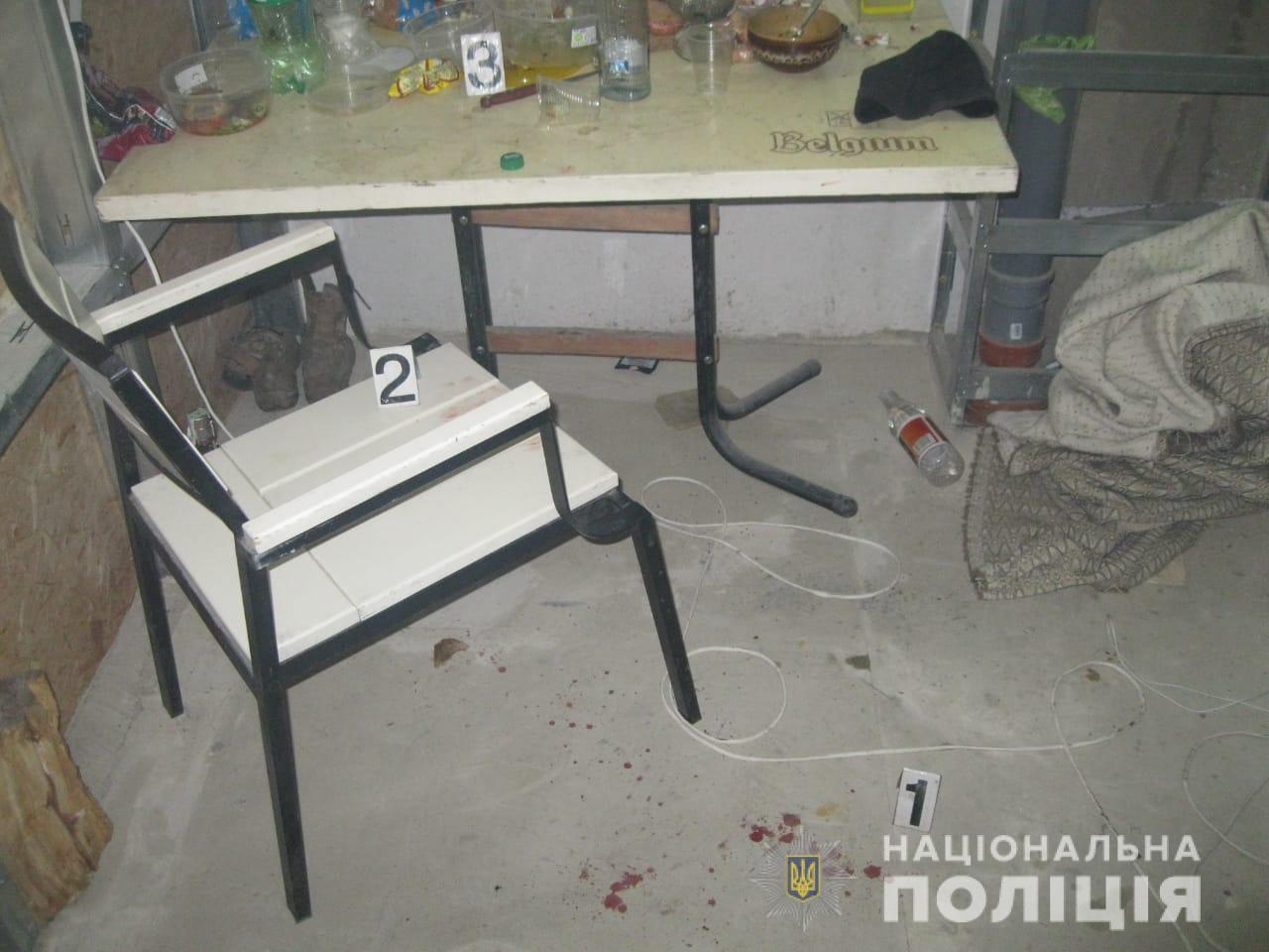 Отдых приятелей на Старом Салтове закончился в больнице и в участке