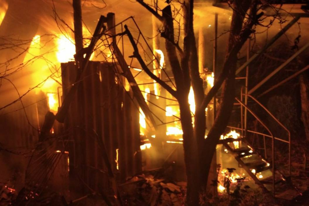 На Харьковщине сгорела дача (фото)