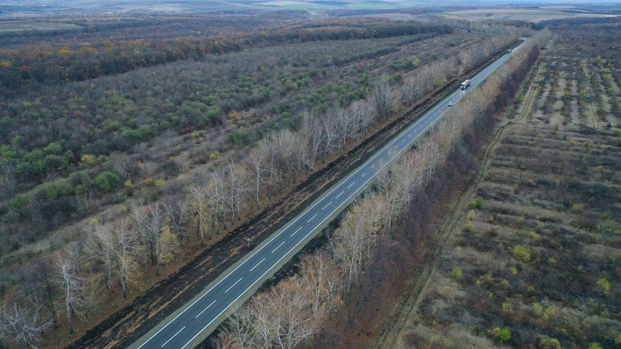 Как выглядит отремонтированная трасса Чугуев – Меловое (видео)