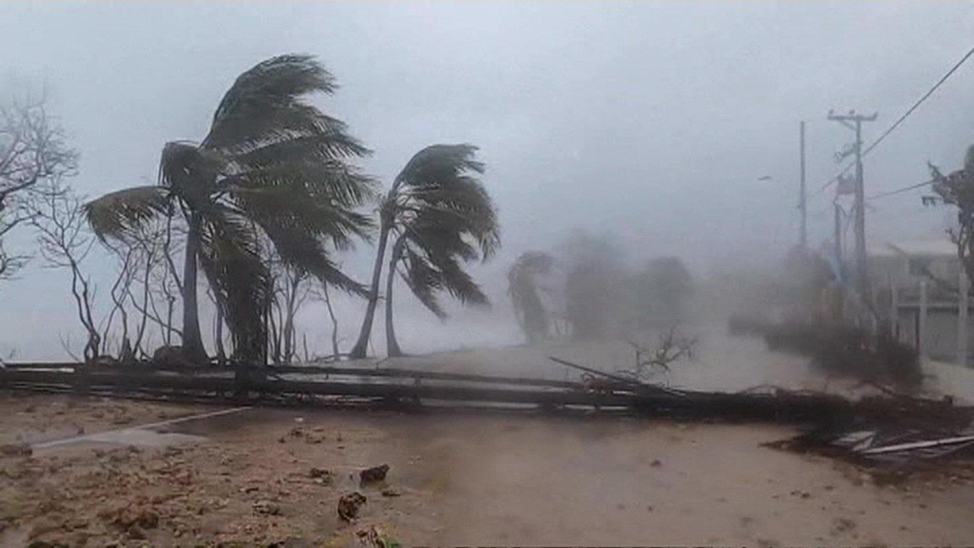 Ураган Йота практически стер с лица земли колумбийский отсров Провиденсия (фото, видео)