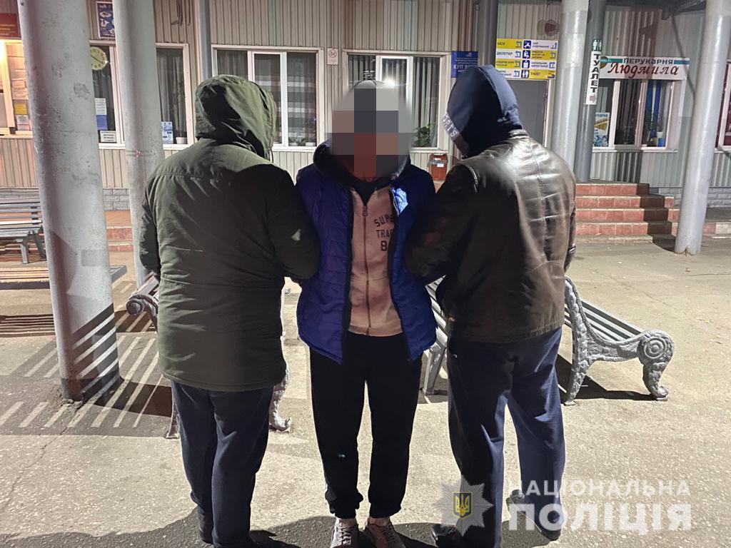 Харьковчанин попытался зарубить экс-сожительницу топором