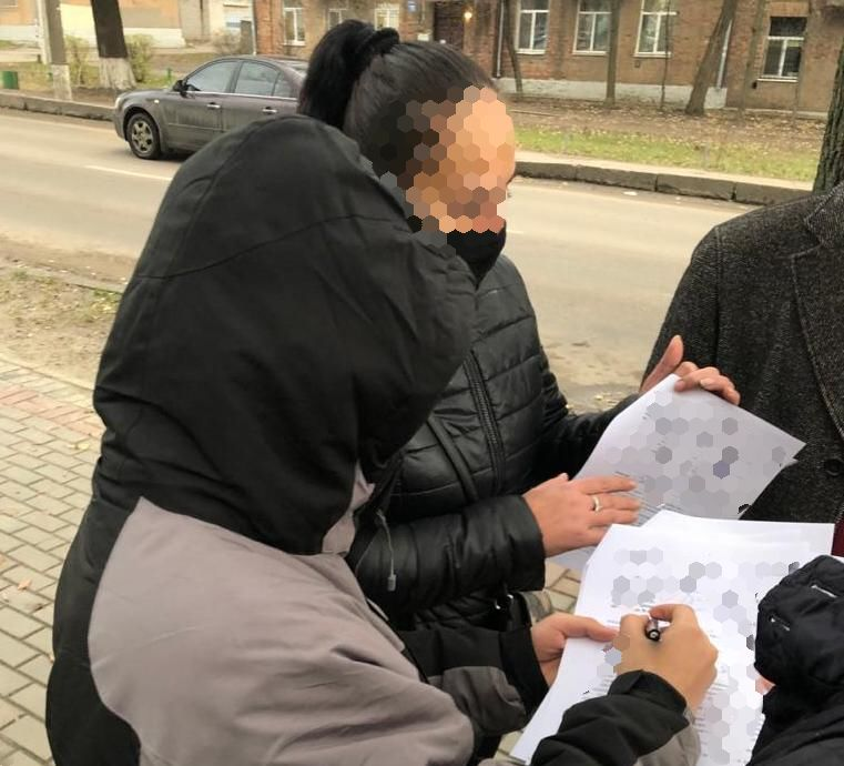 В Харьковской области подросток с ножом в руках вымогал у ребенка деньги