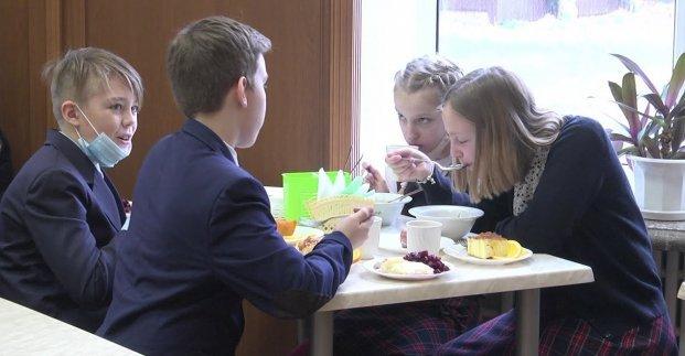 Для 5000 харьковских школьников еду готовят на пару