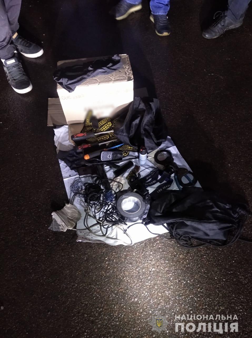 Полиция изъяла оружие и боеприпасы у одессита, приехавшего в Харьковскую область