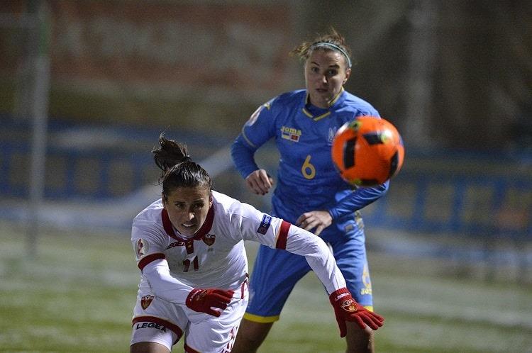 Женская сборная Украины по футболу вышла в плей-офф (фото)