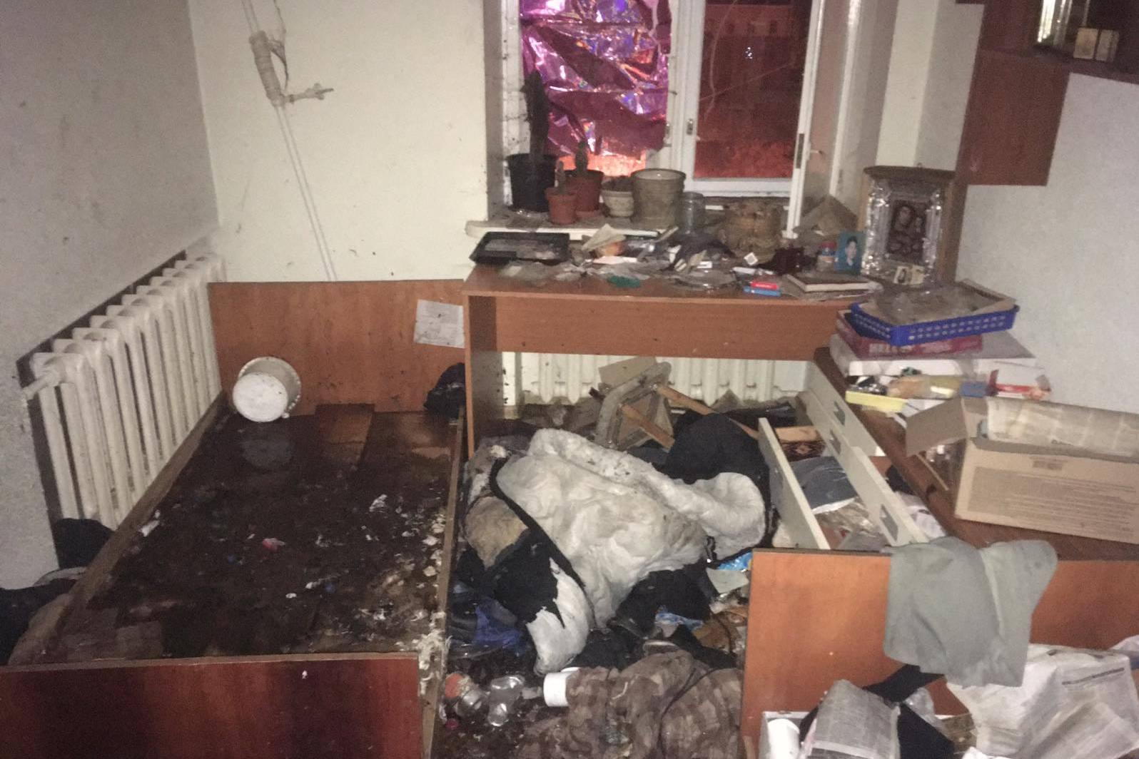 Спасатели ликвидировали пожар в многоэтажке Харькова (фото)