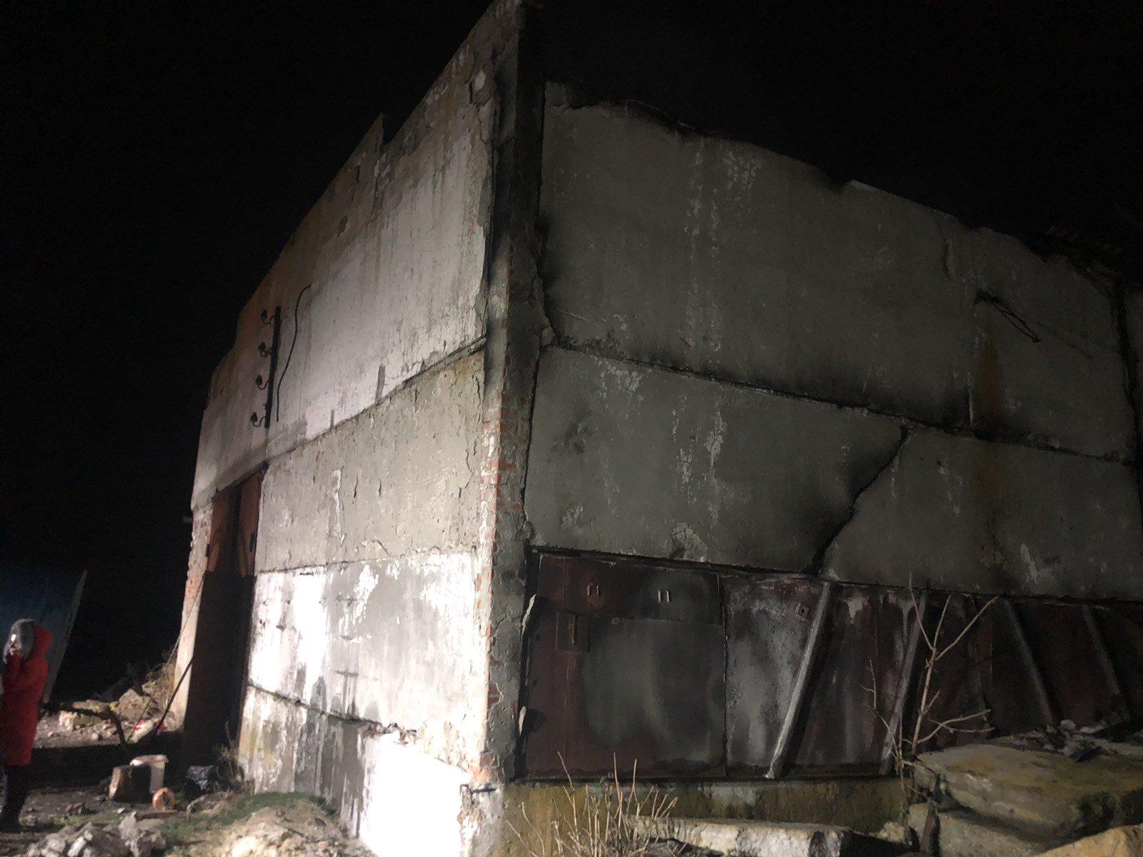 На Харьковщине горел склад с зерном (фото)