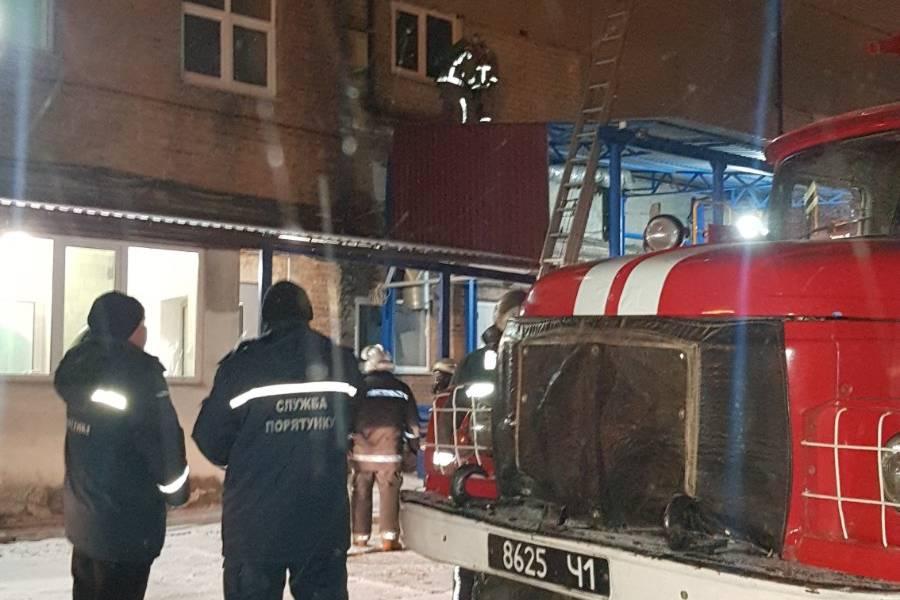 В Харькове ликвидирован пожар в административно-хозяйственном здании (фото)